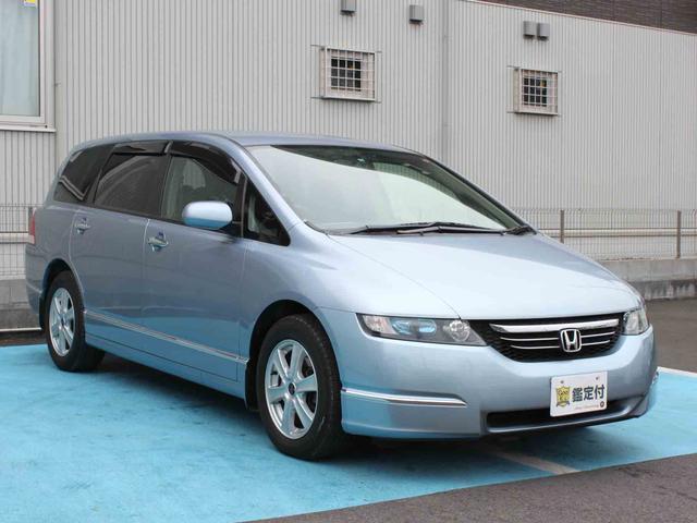 気になる燃費は12.2km/L(10.15モード)。ちなみにこちらのお車はレギュラーガソリンです。