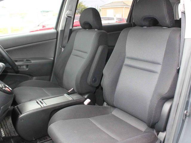 シート破れ、ヘタリ等なくきれいな状態のフロントシートです。こちらに掲載しきれない内装の状態は動画にて詳しくご覧いただけます。