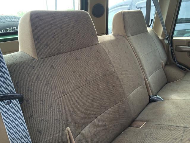 後部座席シート