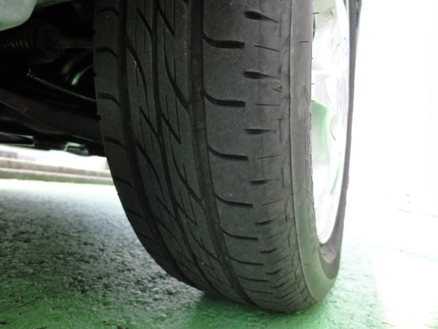 タイヤは7分山です。