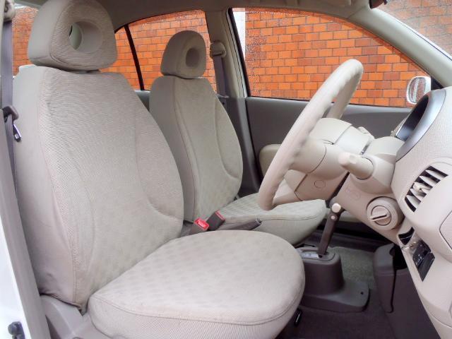 みんなが平等にくつろげるシートデザイン。とびきり快適なドライブを演出してくれる。シート地は柔らかく座り心地もよくなっていますよ!