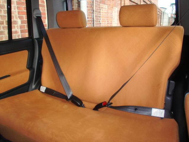 チャイルドシートをしっかり取り付けるために、リヤシートベルトには、チャイルドシート固定機構を装備。