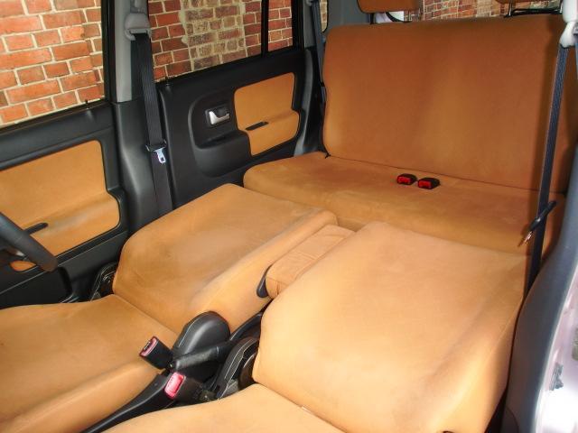 くつろげるフルフラットにもアレンジ可能!ゆっくり休憩したい時にはベッドのように使えるフルフラットシートが便利。