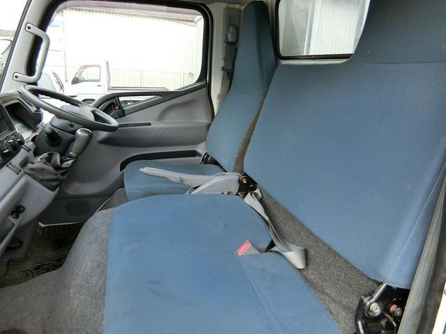 ■助手席、センターシートも広々しています♪■焦げ穴なども一切ございません!■