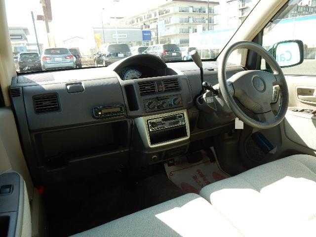 限りある空間の中でムダを省き、ゆとりを生み出している車内☆外への見通しも良く運転しやすいです☆