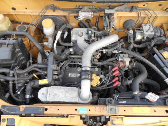 燃費と走りを両立させた低過給スーパーチャージャー、マイルドチャージ付!振動の少ない4気筒エンジン◎