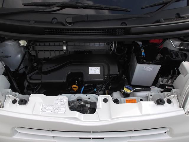 オイル漏れもなく綺麗なエンジンです!!