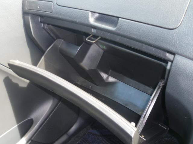 車検証ケースはもちろん、小物も収納出来て、とっても便利です♪