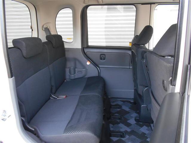 室内は当社専任スタッフが体に優しい洗剤を使用した車内まるまるクリーニングを施工しています。