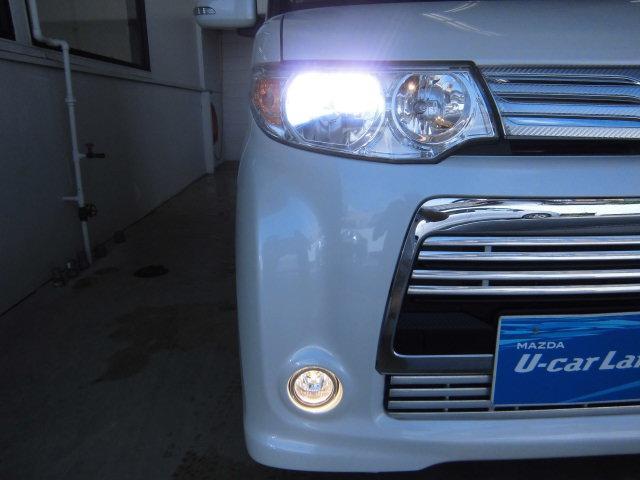 夜間の安全性☆白くて明るいHIDヘッドライトを装備!
