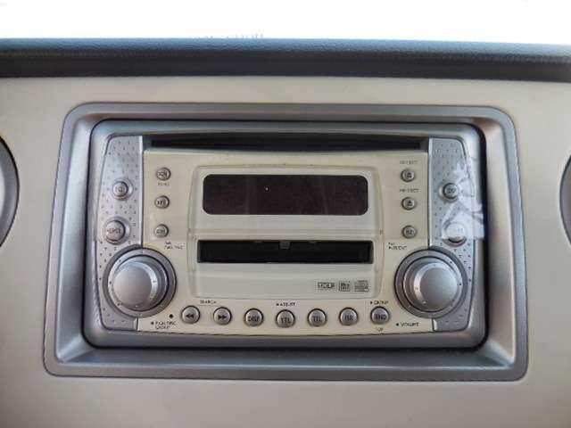 純正標準のCD&MDプレイヤー付きですので、お好きな音楽を聴きながら、ドライブをお楽しみ下さい♪