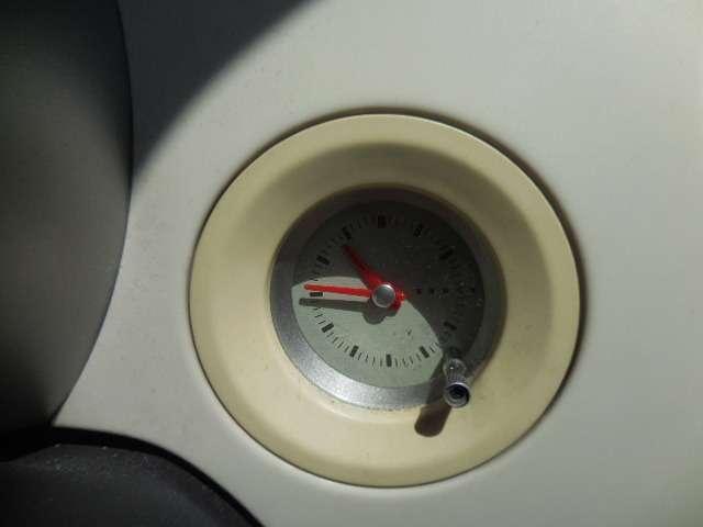 ラパンの装備の中でも人気の高いアナログ時計☆この時計だけでラパンを選ぶ方も多いんですよ♪