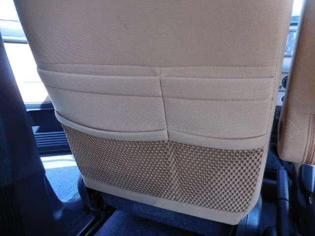 助手席シート裏の便利な収納ポケットもございます◎