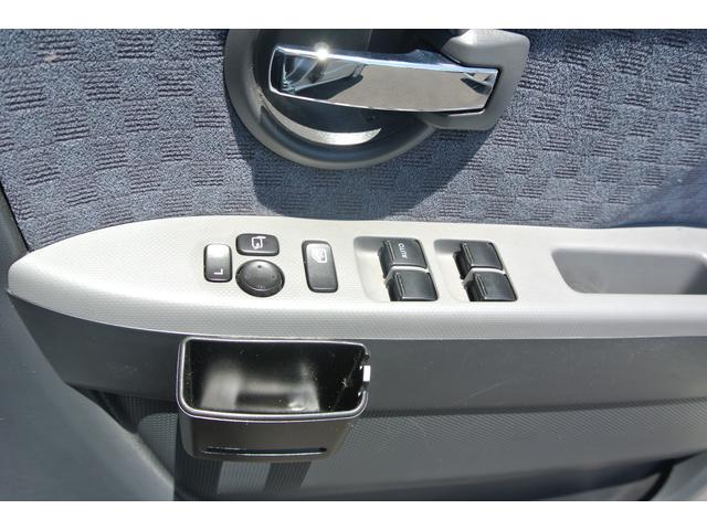 電動格納ミラーで、サイドのミラーの開け閉め楽々!!角度調整もバッチリできます♪♪お電話でのお問い合わせは、0066−9704−936202迄お気軽にご連絡下さいませ!