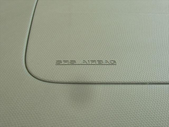 助手席にもエアバックがついておりますので同乗者の方も安心です。