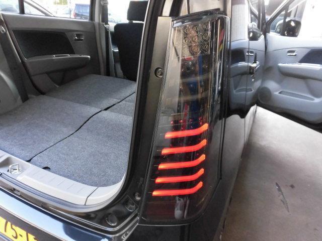 外LEDテールが初めから付いてるなんて!人と違う車に乗りたい!貴方におススメの一台です!