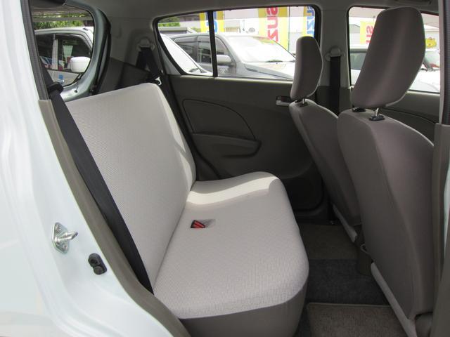 後席は一体型!!後部座席を前方に倒すと 広い荷室スペースとしても使えます