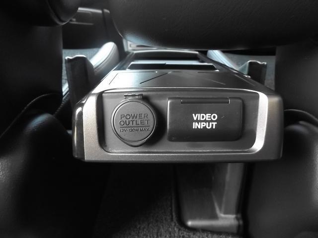 ビデオインプット付きセンターテーブル付きです■HDDインターナビやバックカメラ等の豪華装備多数充実です■お急ぎの際は北大阪店072−761−3348までお電話下さい■
