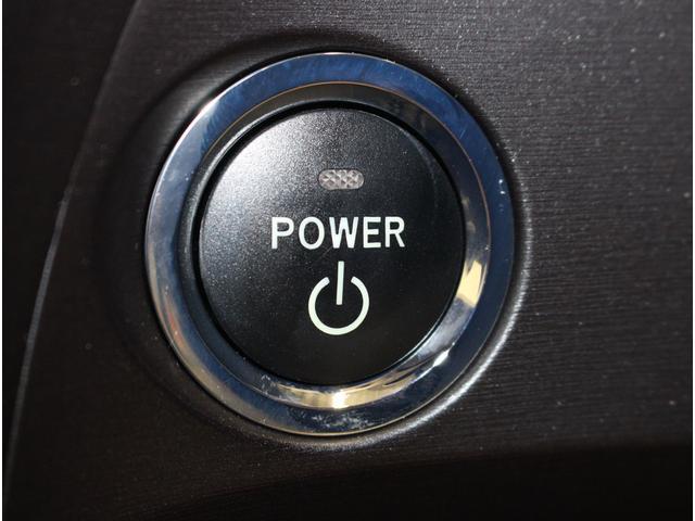 スマートキーですので、キーを持ったままでエンジンをプッシュスタート!!