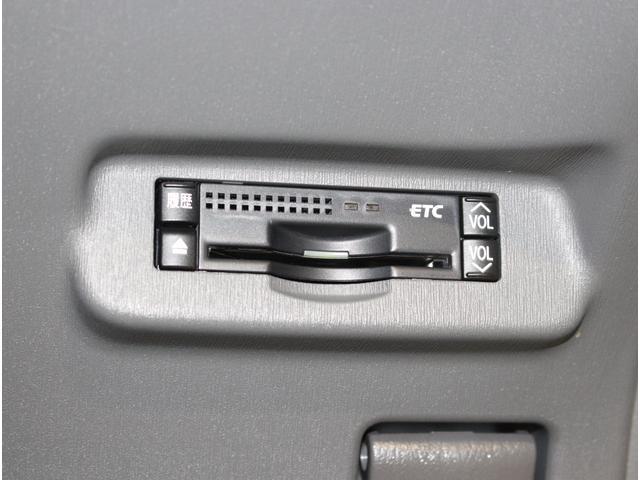 ETC車載器もスッキリ取り付けられています!