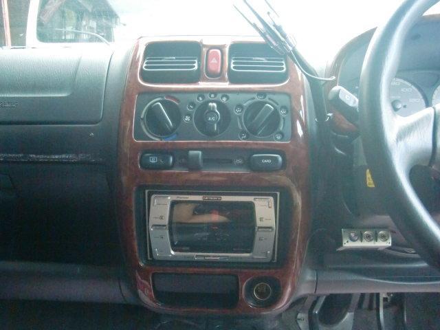 ☆社外CDデッキ付き♪エアコンも付いて、室内空間快適ドライブ出来ちゃいます♪ オートフレンズ無料電話 0066−9706−808002 ♪★格安販売&高額買取&格安車検&格安修理実施中♪
