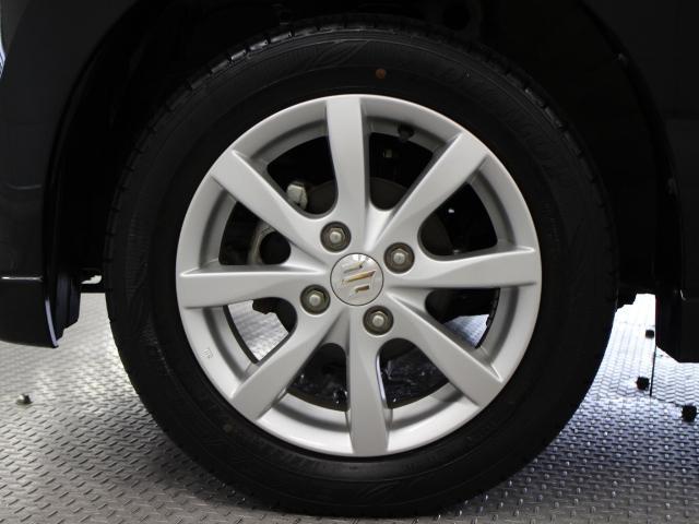 純正アルミホイールは精度が高く、走行の安定性が優れています。タイヤサイズは155/65R14です