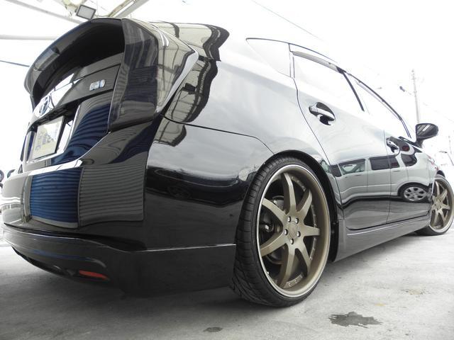 ブラックボディにブロンズカラーホイールがバッチリ似合ってます!リアはディープリムでワイドなイメージです!車検にも対応です!サスペンションはRSR製Best★iフルタップ車高調を装備!