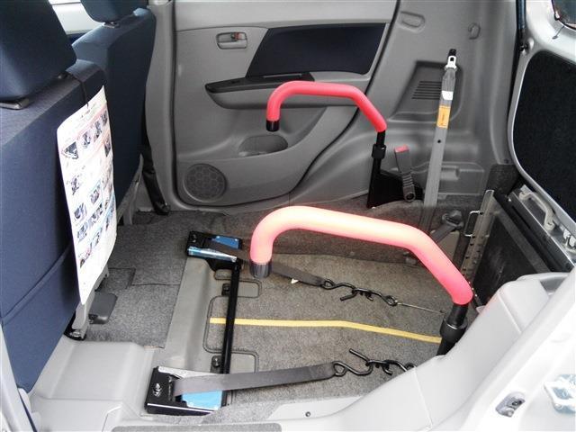 車いすがすっぽり収まるスペースがあります。