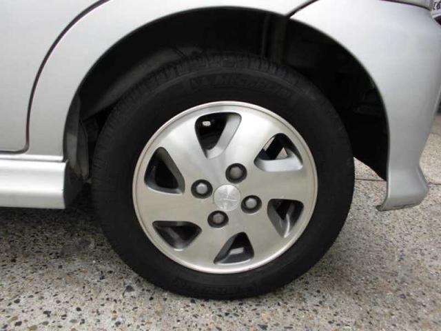 純正13インチAWです!タイヤの残り溝も十分残ってます!