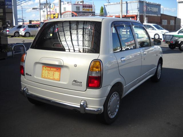 常に当店のお車はお安く・新鮮・安心の三拍子をモットーに程度の良いお車を販売させて頂いております。ご検討の際はお早めにご連絡いただければと思います。ですが万が一売約済みの場合はご了承下さい。