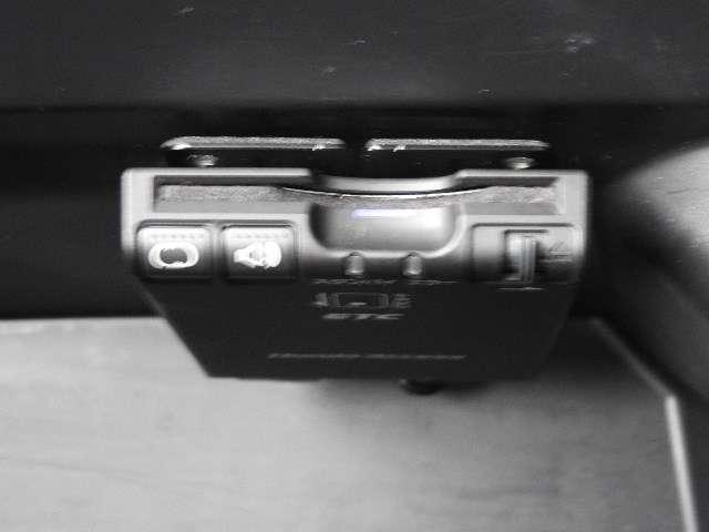 ETC車載器装備しております。納車前に再セットアップいたしますのでETCカードをご用意いただきましたら、納車日から手軽に高速道路のご利用が可能です!