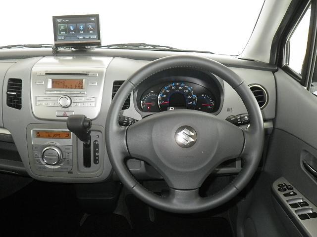 運転席の雰囲気はこんな感じです☆見てると、、、ジワジワと乗ってみたくなってきますよ、、、(@_@)