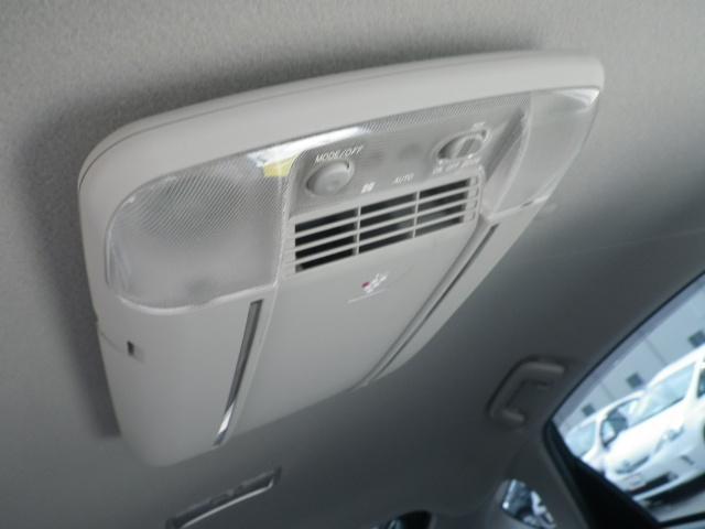 これで車内の空気もキレイ☆純正空気清浄器付きですよ♪