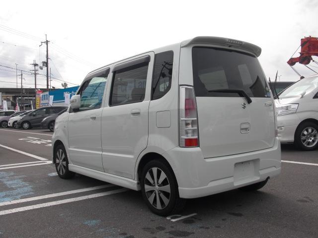 10;15モード18.8Km/Lの低燃費車。