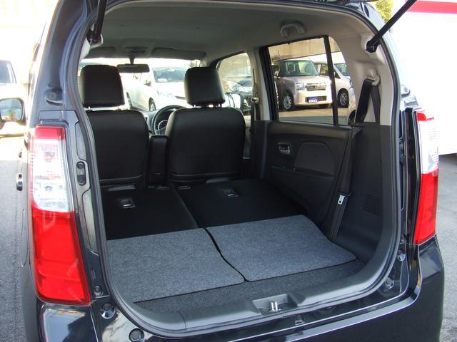 ワゴンRの売りはこれだぁ!!(*^▽^*)『トランクもこーんなに!広々♪』後部座席を倒すとさらにもっと広くなります!すぐ在庫確認を!^^/006697−0409−6600担当 高田(たかだ)まで!