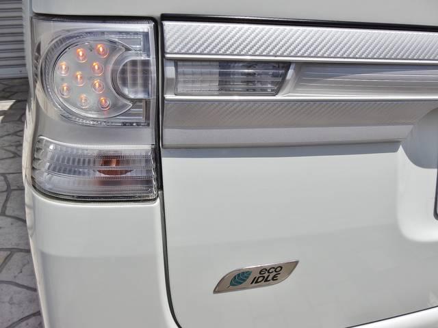 エコアイドル、アイドリングストップ機能付きのエコカーです☆当店オプションで社外LEDテールランプに交換も出来ますのでご相談下さい☆