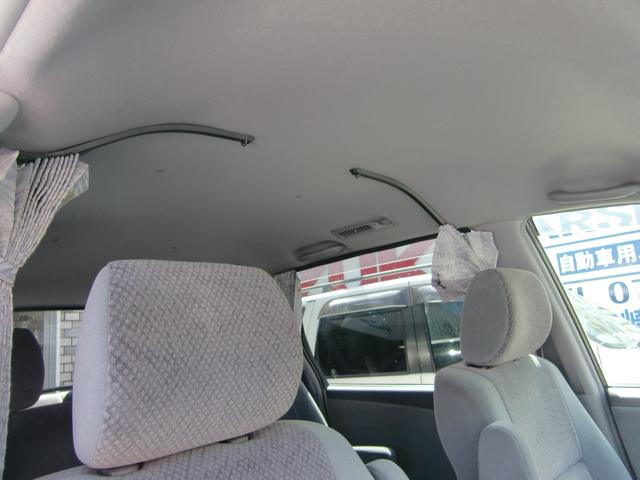 内外装大変綺麗なお車です。前オーナー様の手入れの良さが感じられます。禁煙、パワードア、ETC、ナビ、Bカメラ、リアカーテン付タイヤ溝もたっぷりです