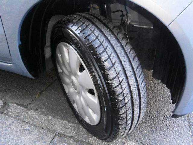 タイヤ溝十分あります