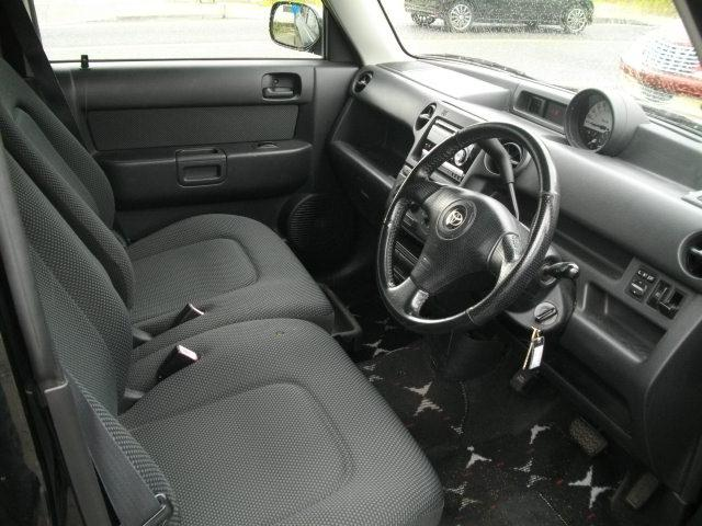 内外装自信有ります。運転席・後部座席共綺麗です。
