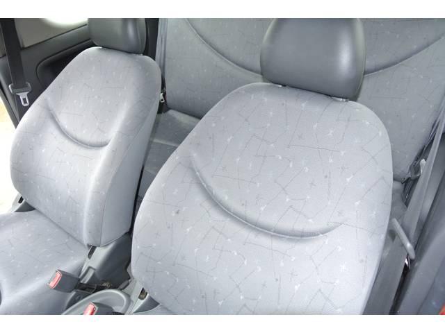 助手席シートも気になる汚れ等、見当たらずキレイな状態です♪ご来店前には事前にTEL:079−451−7220お願いします♪全国販売、納車OK♪頭金無しフルローン・最長72回までOK♪