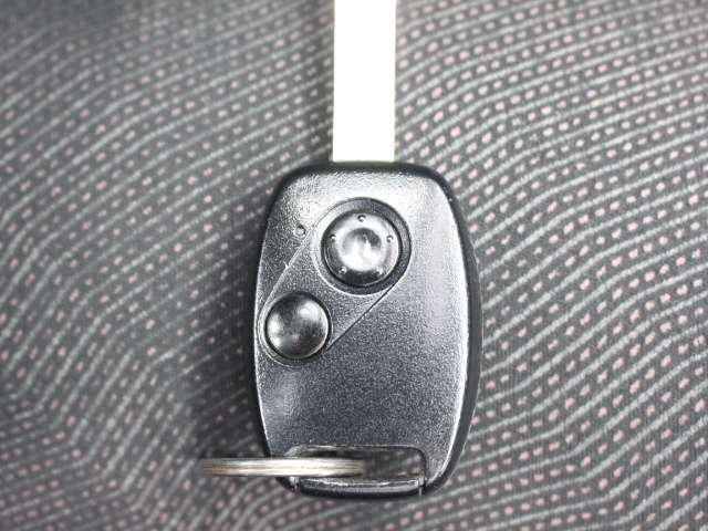 ☆キーレス☆ スイッチ操作でドアのロックのON・OFFを車から離れても簡単に行えます。