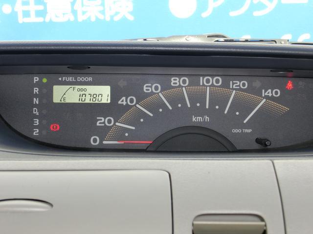 見やすいメーターパネル♪走行距離は107,801kmです!