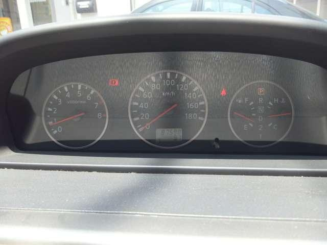 スポーティーなメーターパネル♪走行距離は87,590kmです!