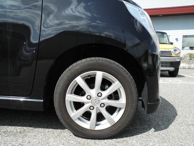 急ブレーキ時のタイヤのロックを防ぎ、車体を安定させ、ハンドル操作で危険を回避できるABSが装備されております。