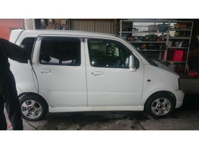 この車は車検2年付でお渡しいたします。もちろん支払総額より1円もいただきません。ご安心ください。