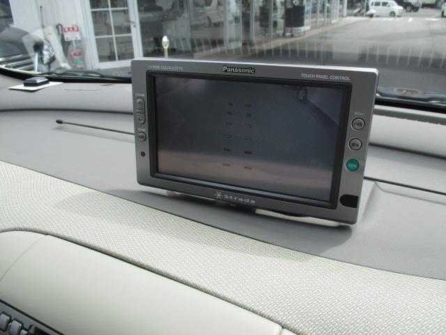 TVはアナログで映りませんが、バックモニターがついてます。