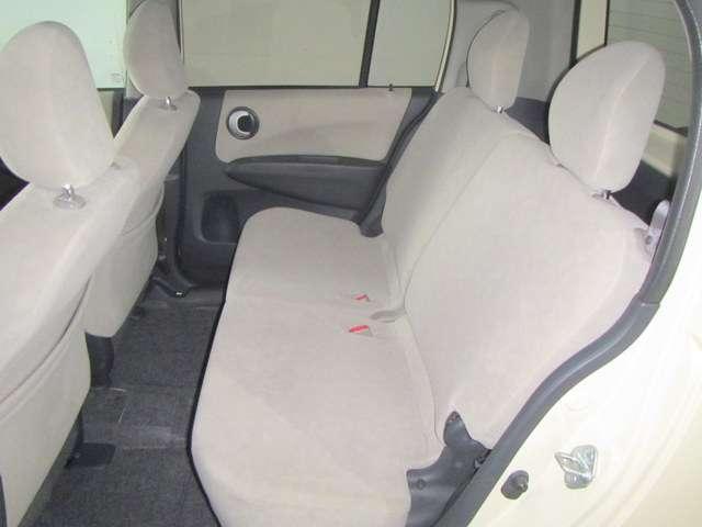 後部座席の足元も広く、快適なドライブをお楽しみいただけます!