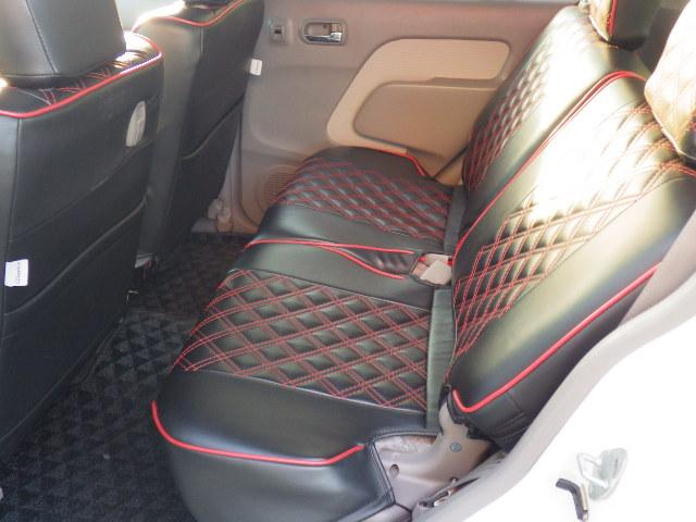 後部座席の足元空間もしっかりございます♪