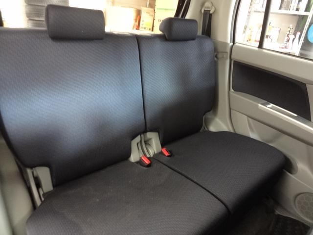 後席もゆったりとしています!!広々空間に、ご友人、ご家族を乗せて、快適な旅を楽しみませんか!?