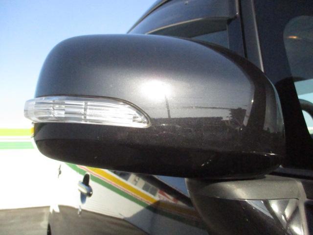 ウインカーミラー付いてます★曲る時に対向車からウインカーがはっきりと見えるので安全ですよ★